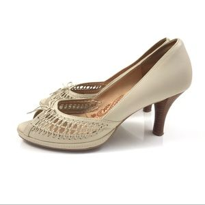 SOFFT cream woven leather peep toe pumps